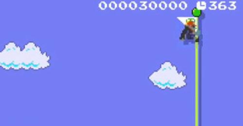 トゥーンリンクは、出典が「風のタクト」ということもあり、ゆっくり落ちるような機能的な要素は「スーパーマリオメーカー」では再現されませんが、「デクの葉」を使ったジャンプも表現