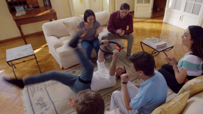 室内でバタバタするゲームは、マンション住民がプレイすると苦情が来そうな感じもありますが、果たしてどのようなものが発売