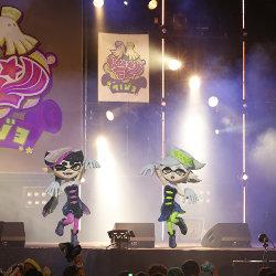 スプラトゥーン、シオカラーズの2人が実際に歌って踊る「シオカライブ 2016」